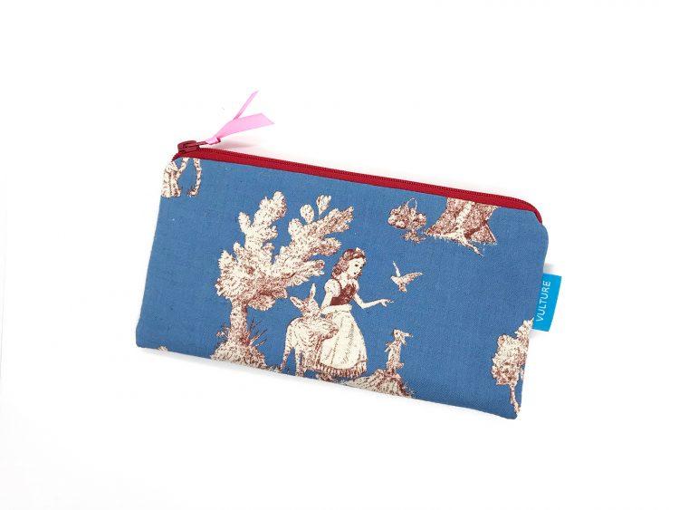 blaue Stiftetasche Motiv Schneewittchen