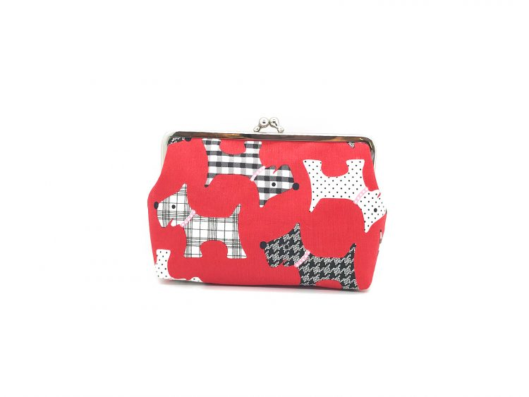 rote Clipbörse mit Hunden